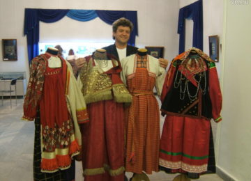 Sarafan et kokochnik, symboles traditionnels du costume russe